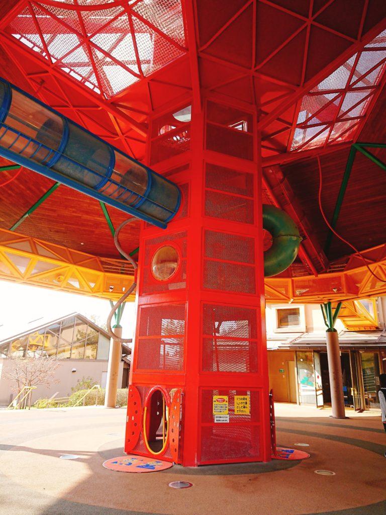 鳥取砂丘こどもの国の空中回廊式遊具