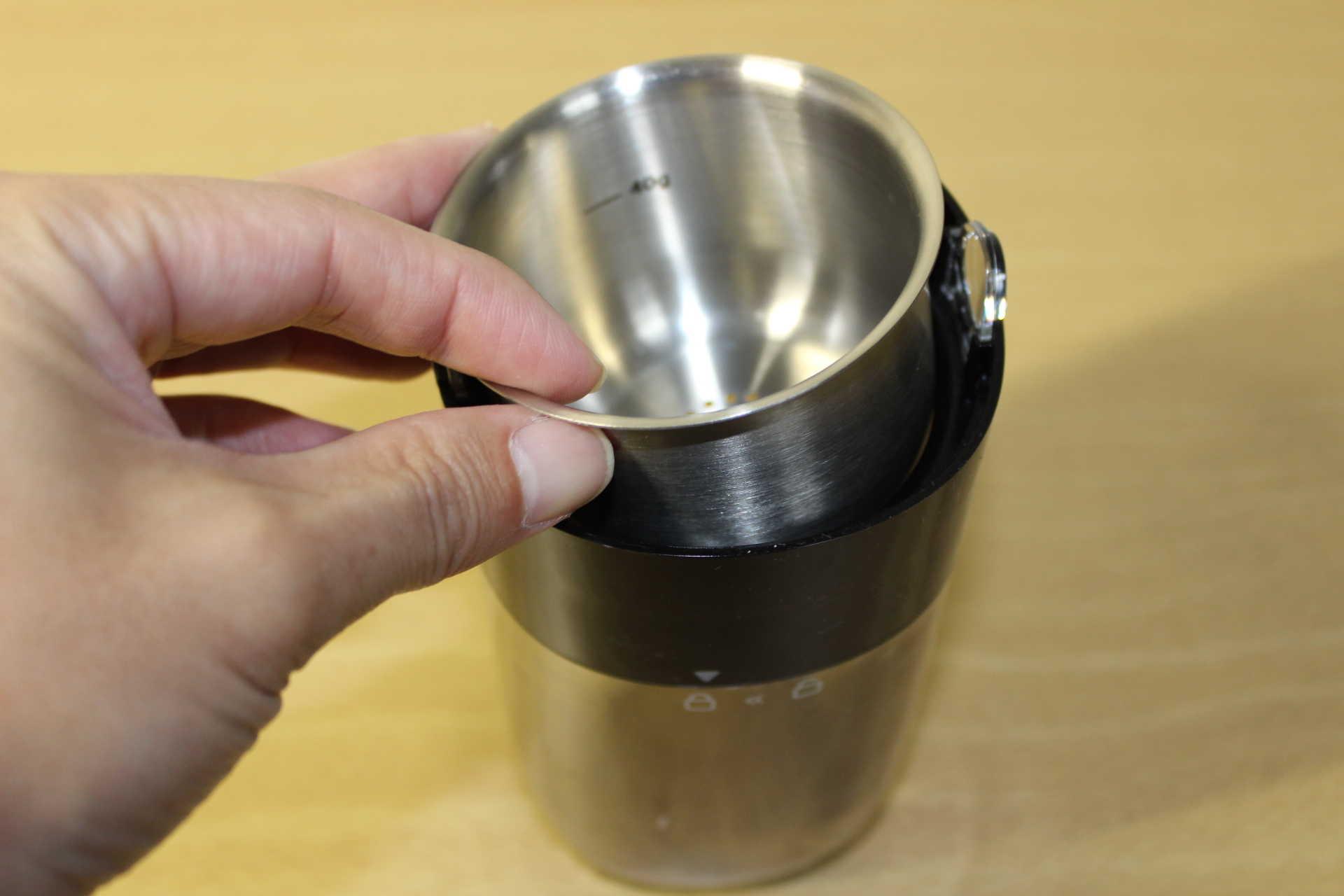 コールドブリューが作れるWiswell Water Dripperのコーヒーバスケットの取り付け