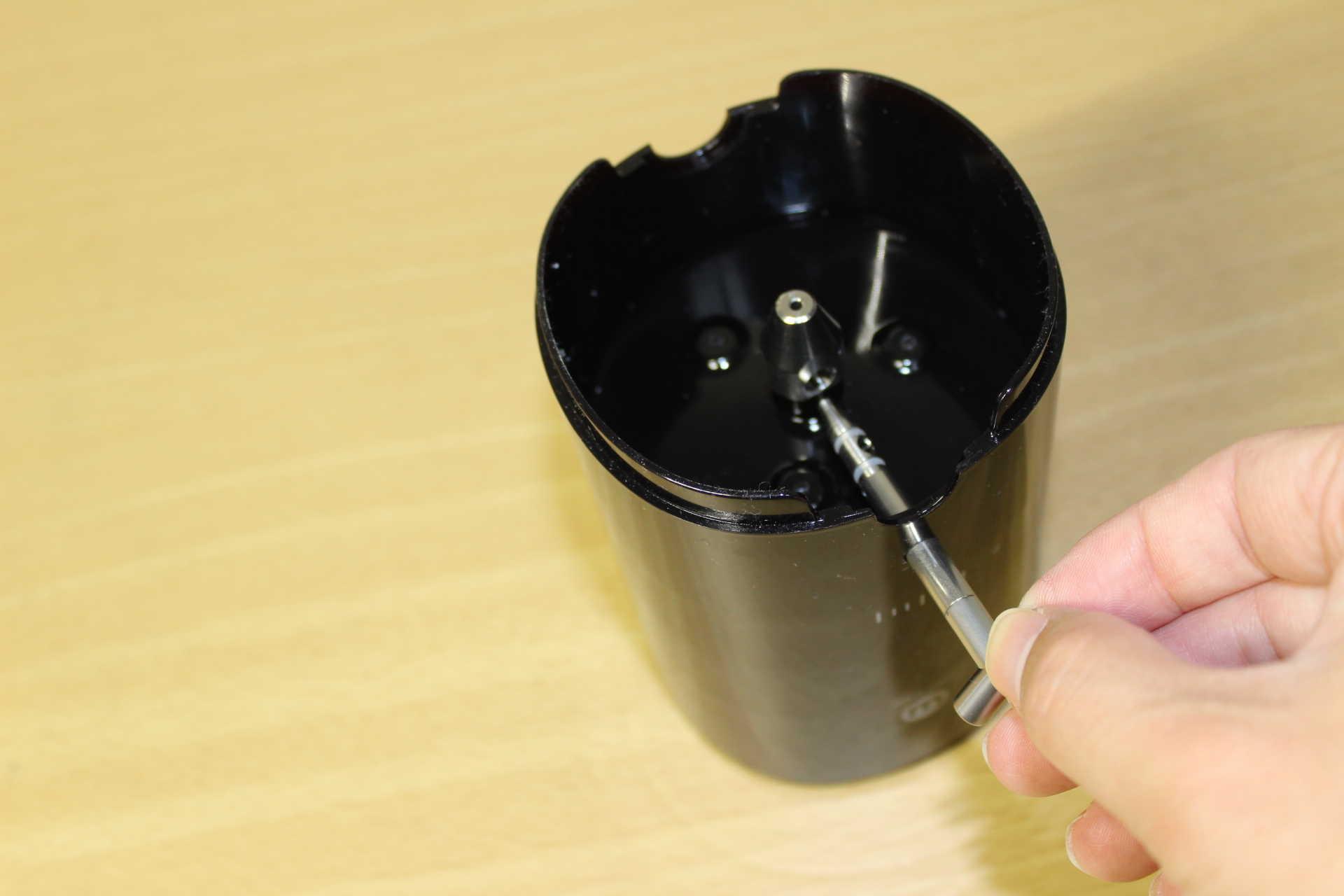 コールドブリューが作れるWiswell Water Dripperのコックシャフトの取り付け
