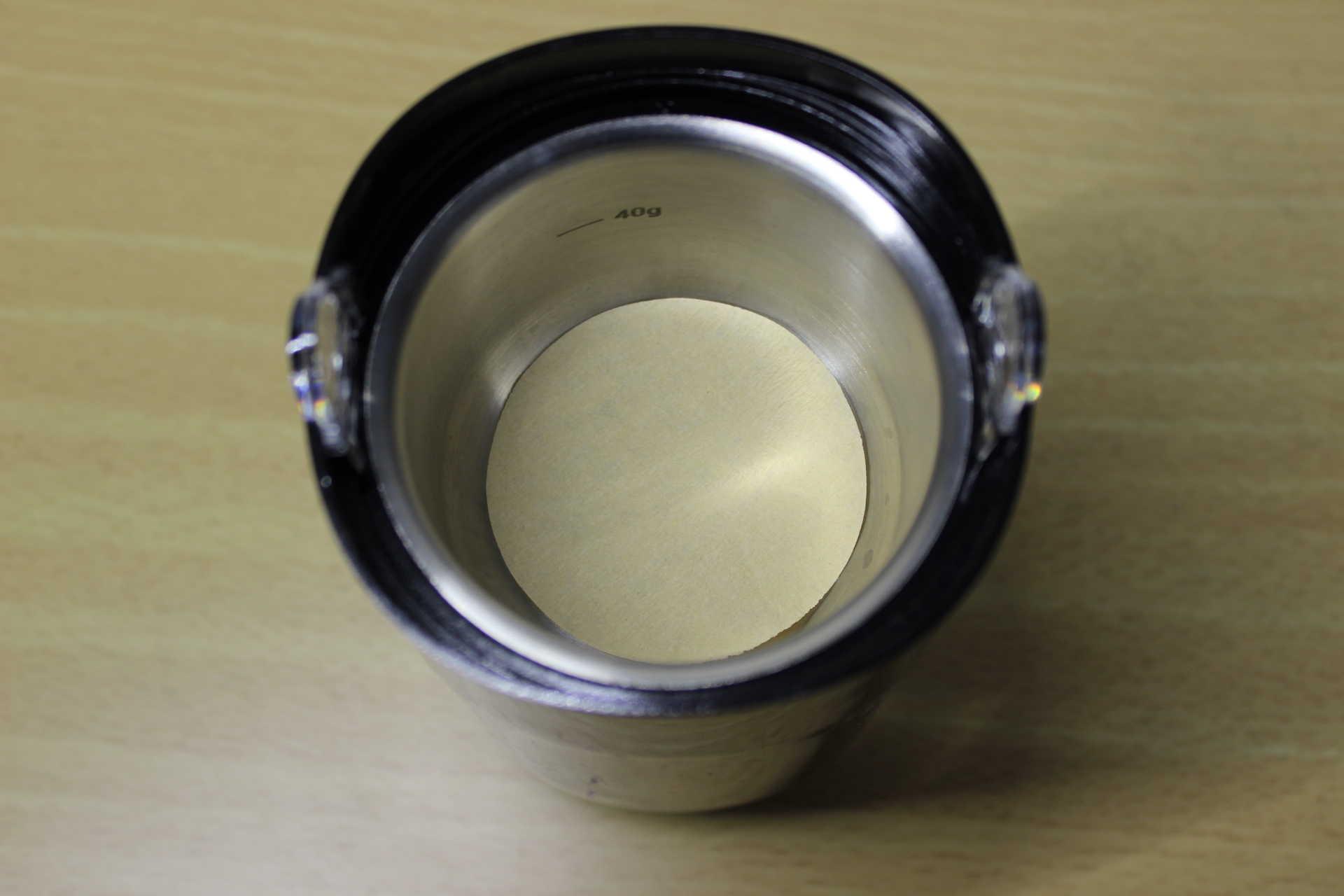 コールドブリューが作れるWiswell Water Dripperのコーヒーバスケットにセットしたフィルター