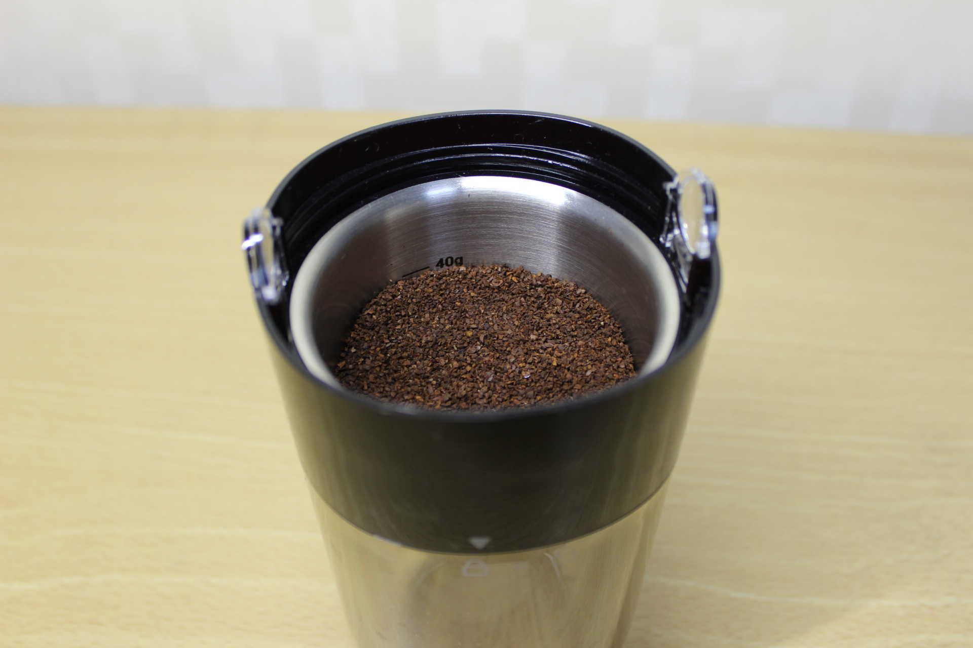 コールドブリューが作れるWiswell Water Dripperのコーヒーバスケットに入れたコーヒーパウダー