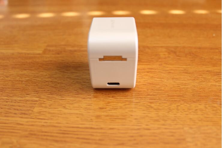 AVIOT TE-D01g 完全ワイヤレスイヤホン 充電ケース背面