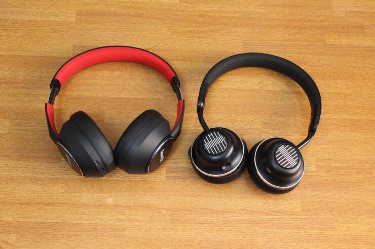 「OneOdio SuperEQ S1」と「OneOdio SuperEQ S2」正面での大きさ比較